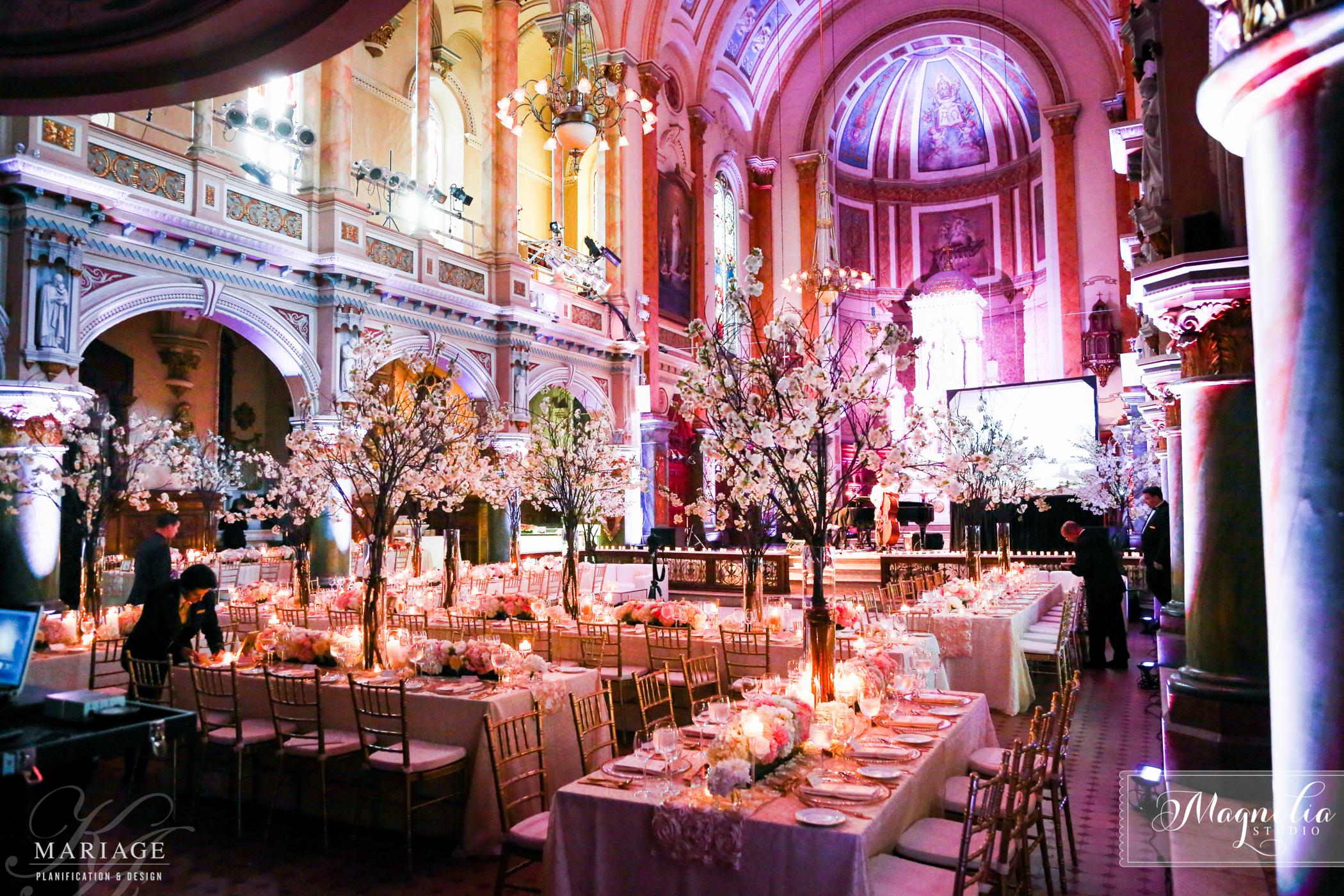 Glamour Wedding at la Chapelle du musée de l'Amérique Francophone