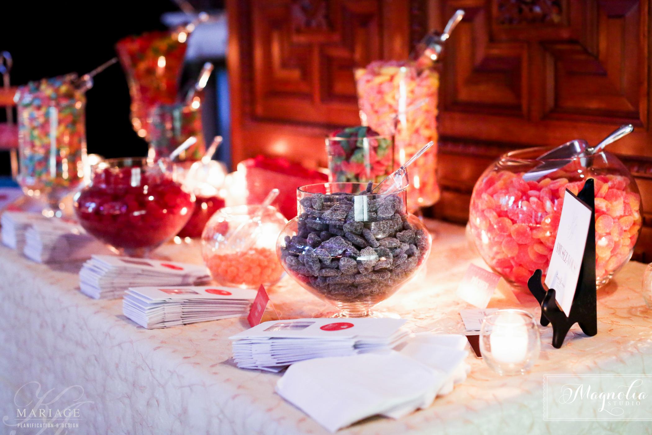 <p>Sweet table by KA Wedding</p>
